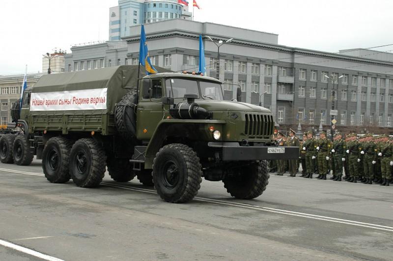 Урал-4320 армейский грузовик