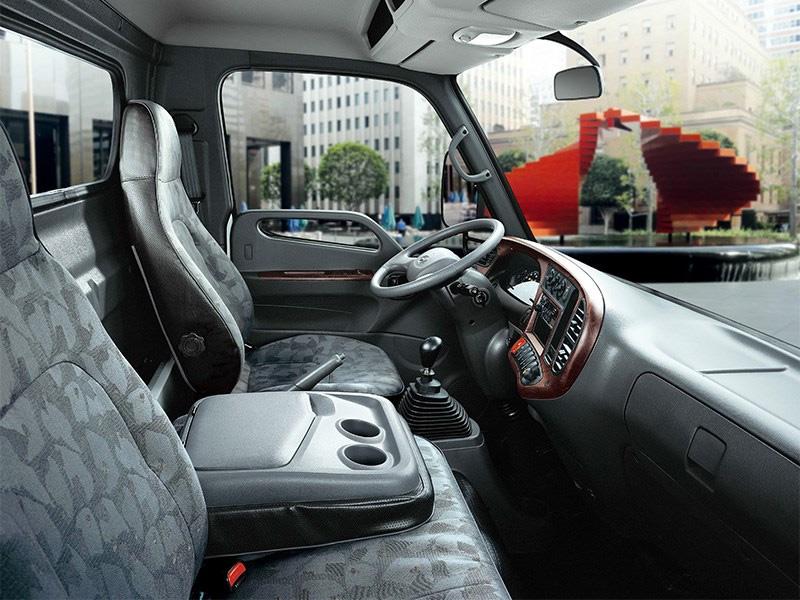 интерьер кабины Hyundai HD78