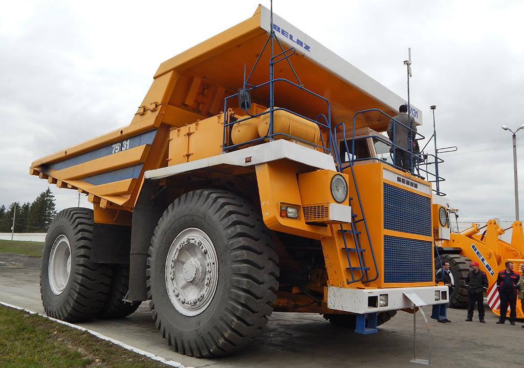 Объем кузова БЕЛАЗа-75131 варьируется от 40 до 104 кубометров