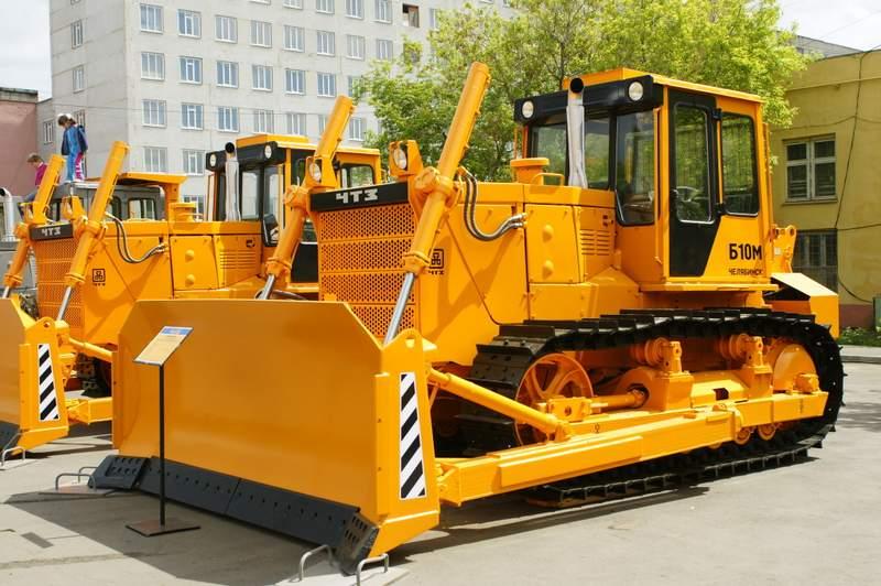 harakteristika-b10m-buldozer-b10m-traktor-b10m