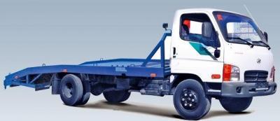 Эвакуатор Hyundai с ломаной платформой