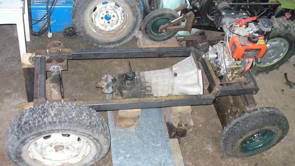Мотор с нижним расположением