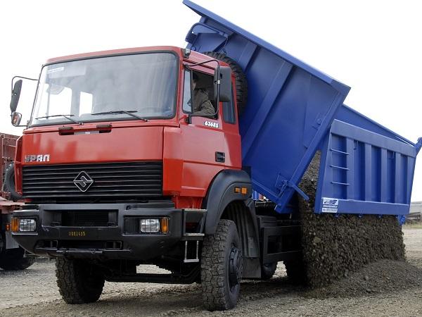 боковая выгрузка самосвала Урал-63685, особенности автомобиля