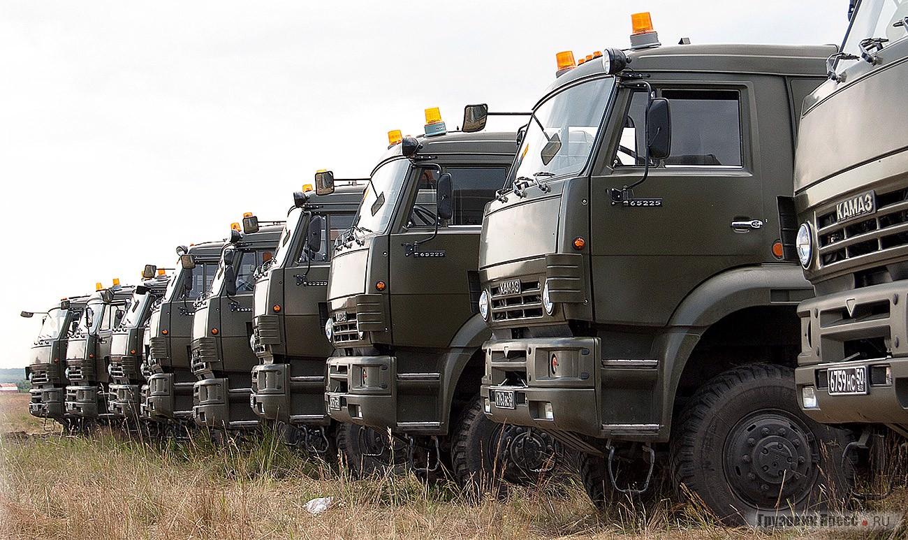 Седельные тягачи КАМАЗ-65225