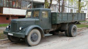 Автомобиль МАЗ-200