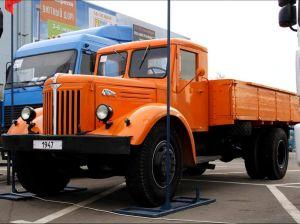 Самосвал Maz-200