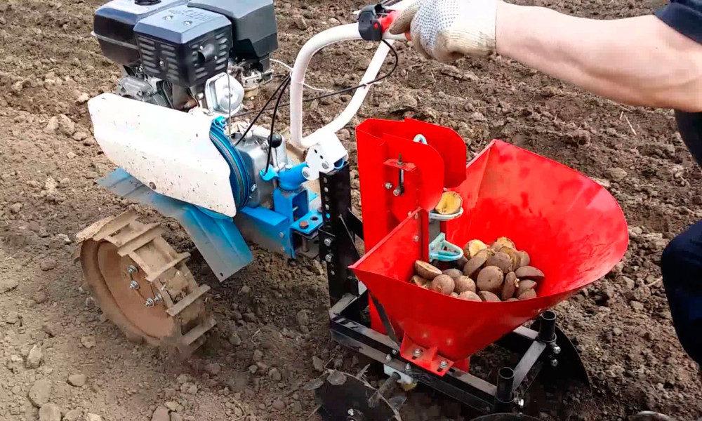 Картофелесажалка для мотоблока