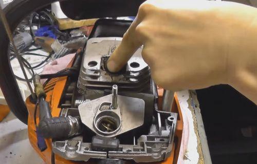 проверка компрессии в цилиндре не запускающейсяя бензопилы