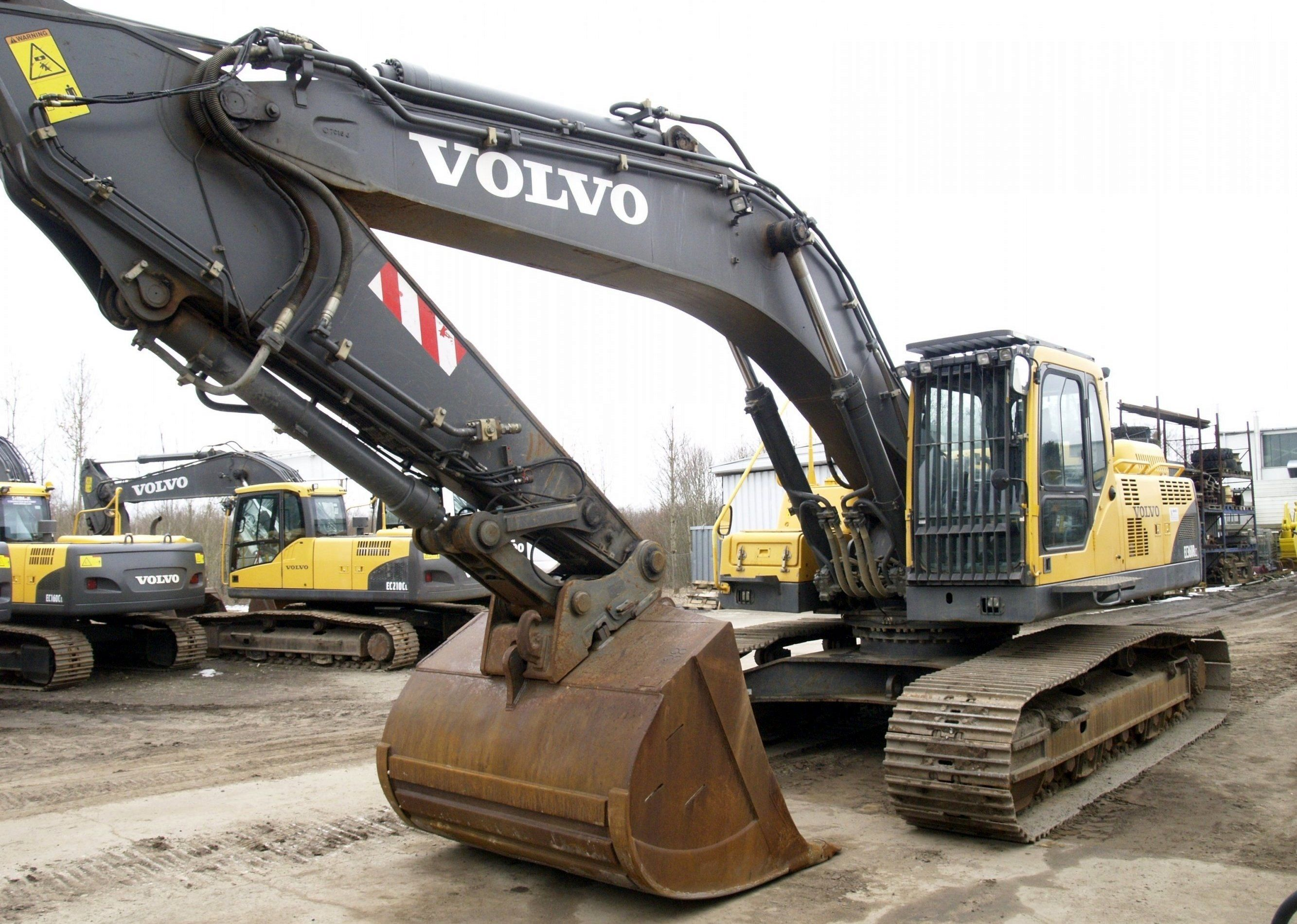 Экскаватор Volvo ЕС 360